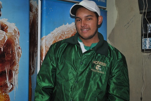 Comerciante Augusto Nascimento contente com o aumento das vendas