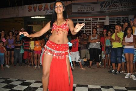 Performance de Dança do Ventre com Welita Santos de Barra do Garças -MT