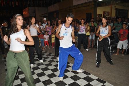 Apresentação dos alunos da oficina de Dança da CUFA