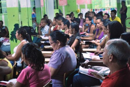Alunos do Planseg Afrodescendente atentos a apresentação das ações da CUFA-MT