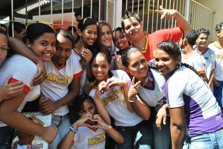 Alunos da Escola Manuel Corrêa em Várzea Grande animados com as oficinas do Pixaim