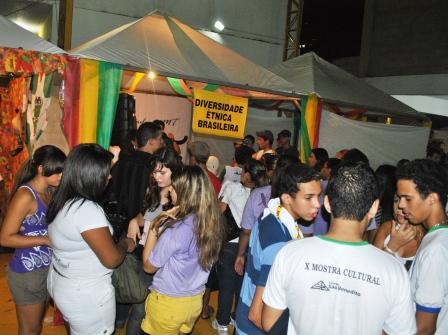 """Barraca """"A Diversidade Étnica no Brasil"""" onde foram desenvolvidas as atividades"""