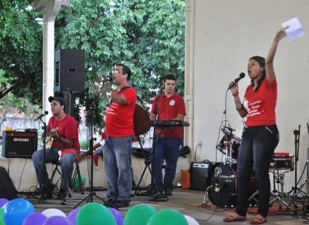 Abertura do 14º Kairós feita pelo Ministério de música do Grupo de Oração Pequena Semente