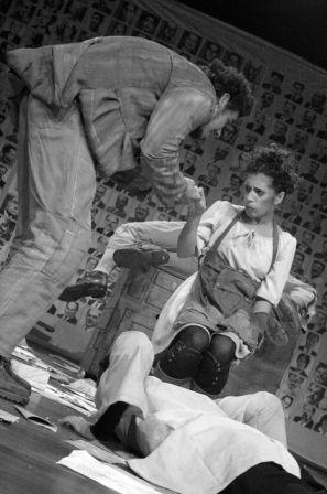 Mazé Oliveira na Peça Teatral Toma lá Dá Cá (2006)