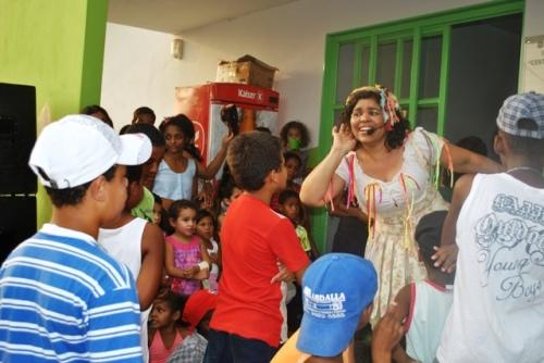 Dia das Crianças 2010 no CECC (Centro Esportivo e Cultural CUFA) primeira intervenção do Núcleo de Teatro Fuzuê