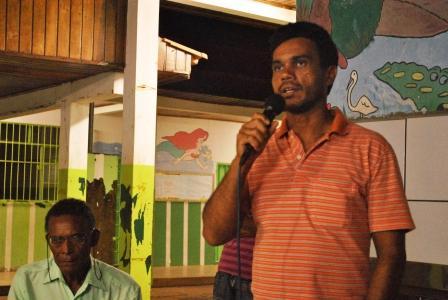 Paulo Sardinha (Presidente do bairro Vila Nova) contribuindo com a discussão