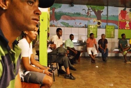 Participantes do Fórum atentos as explicações