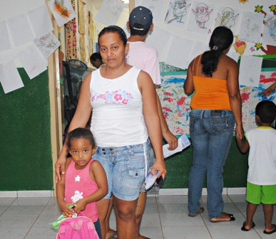 Nilzete Figueiredo, moradora do bairro Vila Nova do Coxipó é mãe da  Ana Vitória