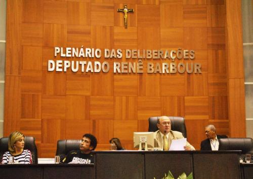 Presidente da AL de MT, Dep. José Riva-PP abrindo os trabalhas da audiência pública